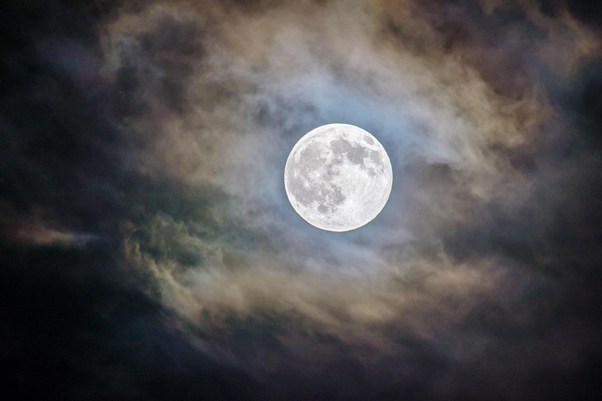 スタージョンムーン,2020年,満月,由来,地震,高潮